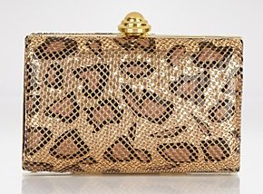 La Regale Hard Body Mesh Clutch